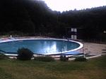 Zátiší s bazénem (oříznuto, neupraveno)