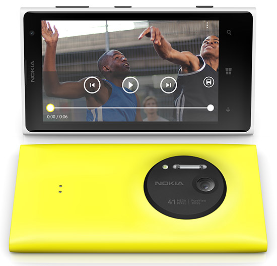 Nokia Lumia 1020 front and back