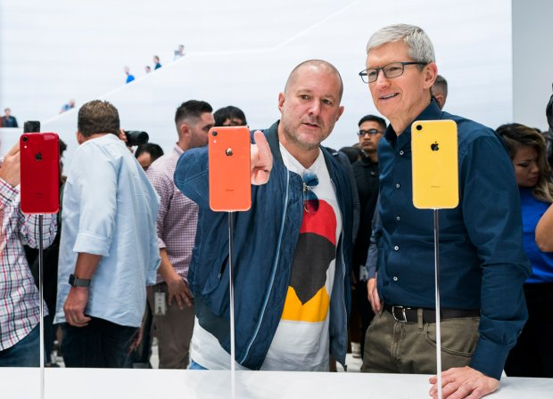 Jony Ive a Tim Cook